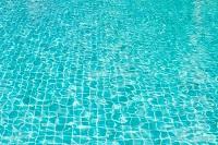 schwimmen-pool-wasser